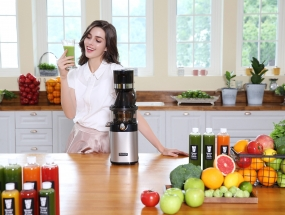 Whole-slow-juicer-chef model-3